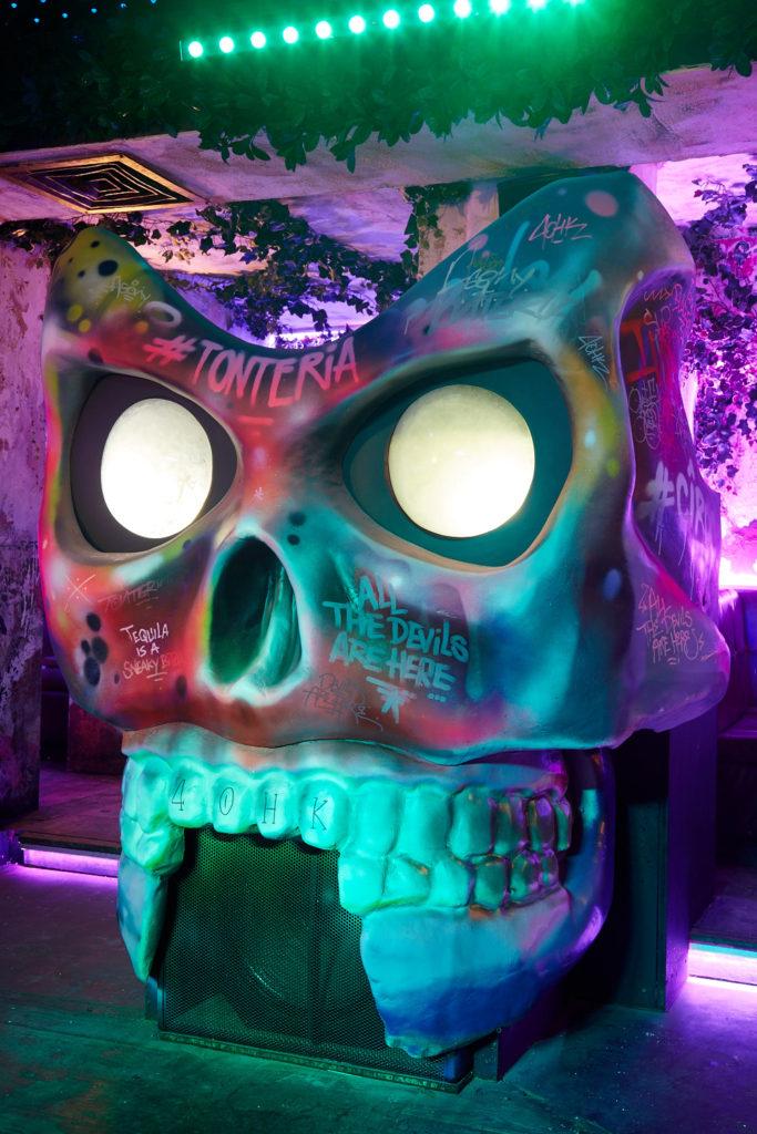 scenetec-skull-dj-booth-2